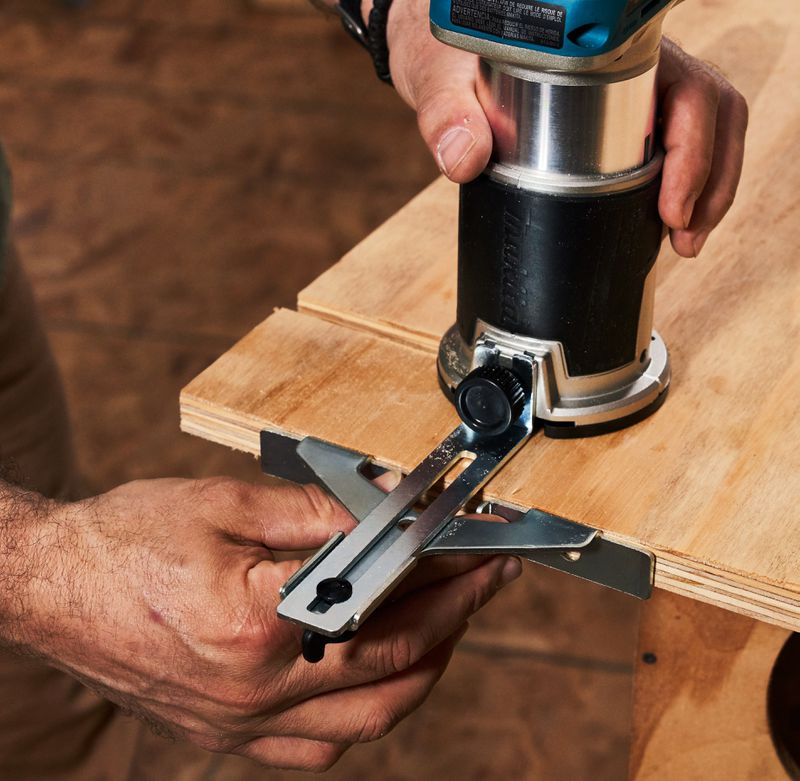 Fall 2021 Tool Lab, compact router edge guide