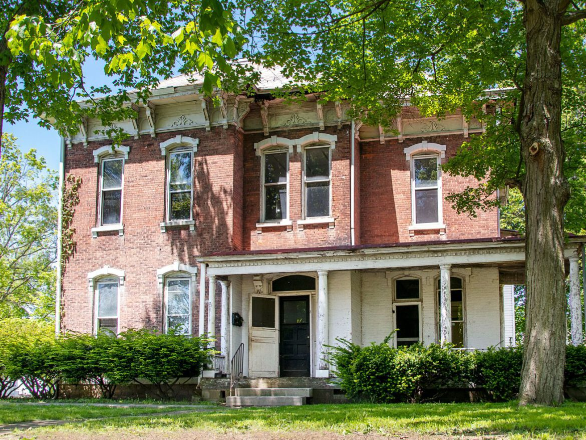 Save This Old House: Brick Italianate in a Historic River Town
